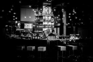 bar-171179_1920